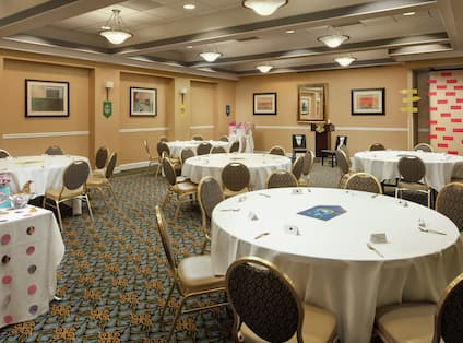 Embassy Suites Meeting Space with Round Tables and Chairs