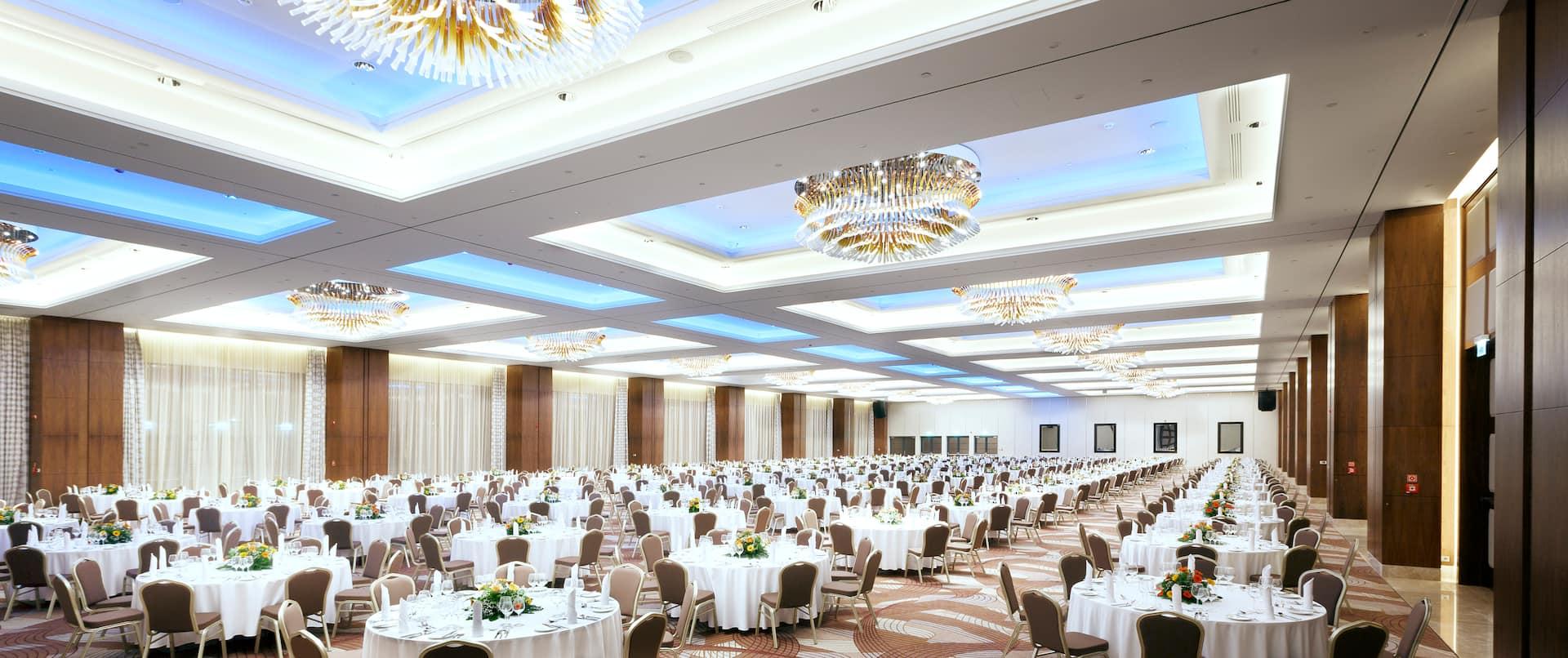 Universe Ballroom_1