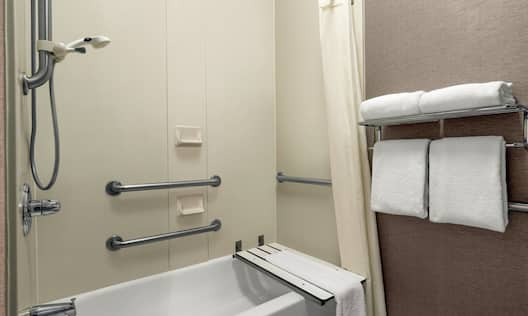 Accessible Tub/Shower