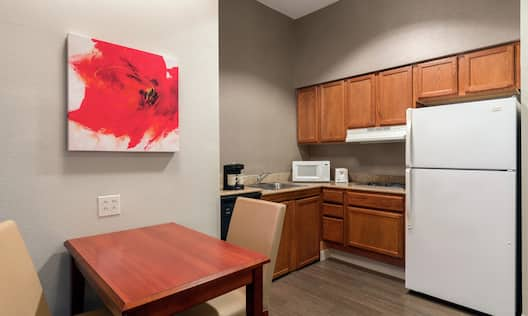 Kitchen and Dining Area in Queen Accessible Suite