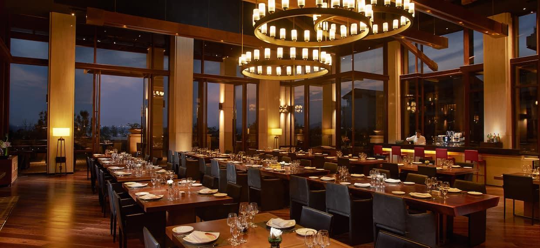 Cucina Interior Dining