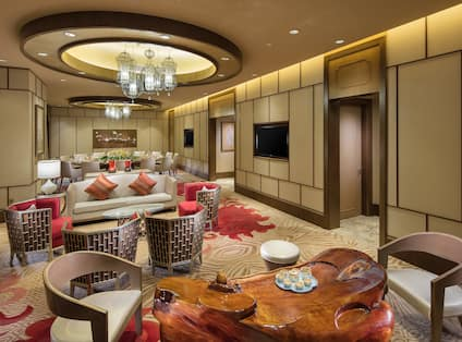 Yue Ming Bay Chinese Restaurant-Longjing PDR with dining tables, chairs, and lounge sofa and chairs