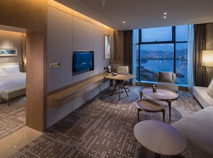 Suite  Living Room with Evening View