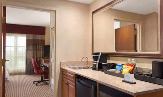 One Bedroom Corner Premium Suite