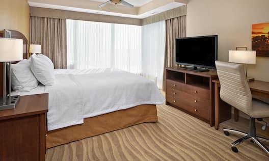 King 1 or 2 Bedroom Suite