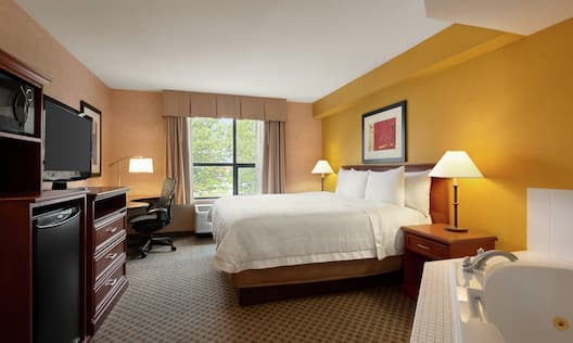 King Whirlpool Guest Bedroom