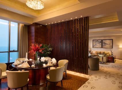 Presidential Suite Dining/Living Room