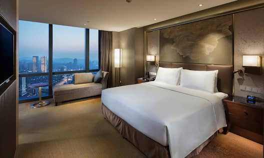 One King Bed Guestroom with City View