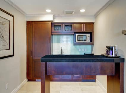 Suite Kitchen with Microwave