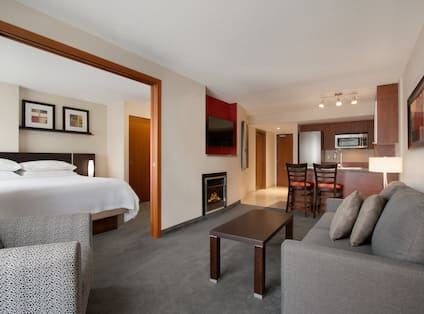 Double King Guestroom Suite