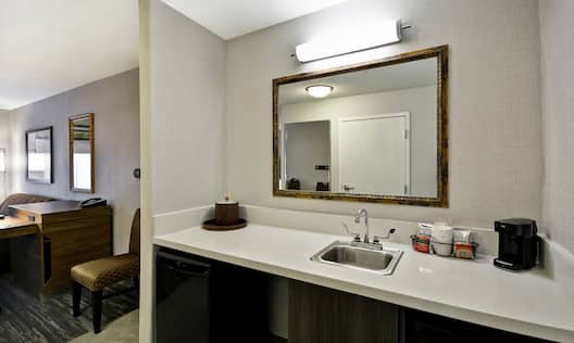 Accessible Guest Room with Kitchenette