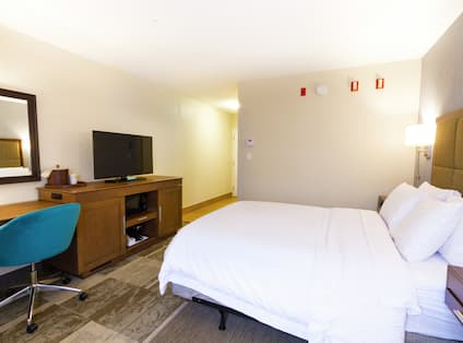 One Queen Bed Accessible Non Smoking