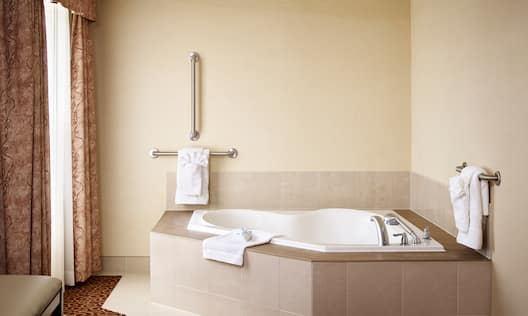 Accessible Guestroom Whirlpool