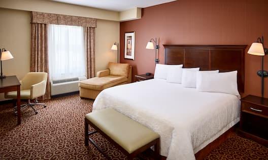Accessible King Guestroom Bedroom