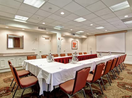 Summit Meeting Room