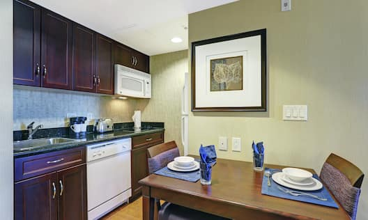 King Studio Suite Kitchen and Dining Area