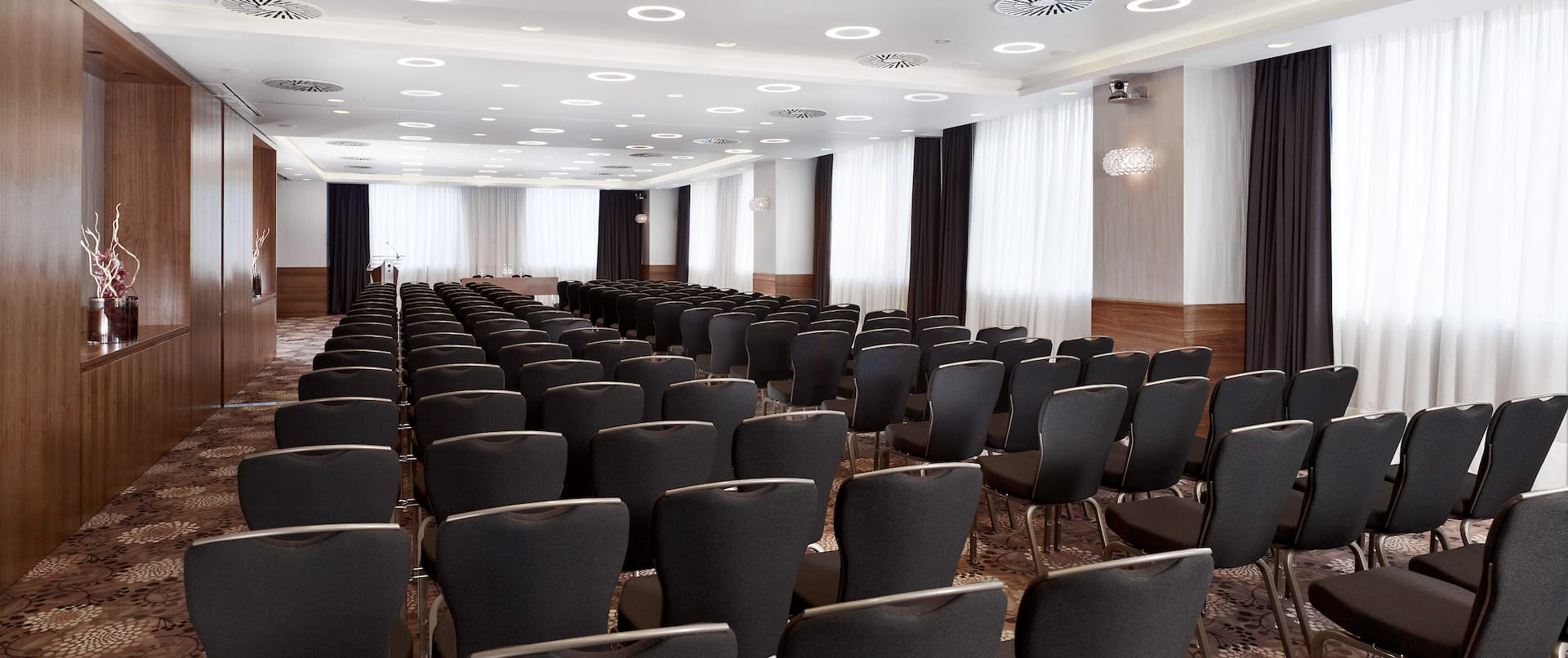 DoubleTree by Hilton Hotel Zagreb, Croatia - Mimosa Meeting Room