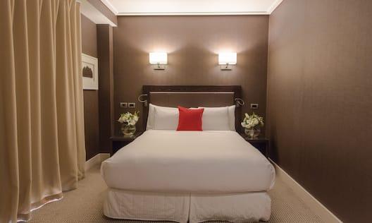 Queen Bed Room View