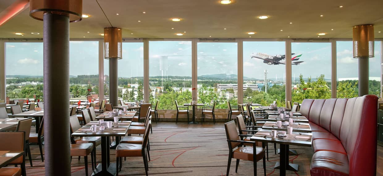 Horizon Restaurant Seating Area